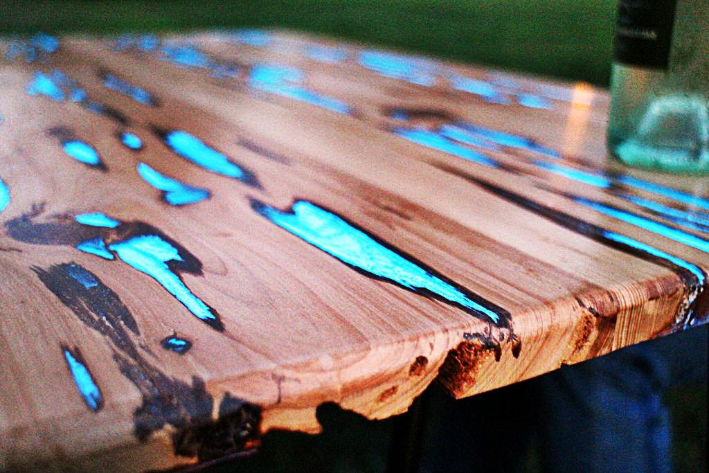 La Table Luminescente De Mike Warren