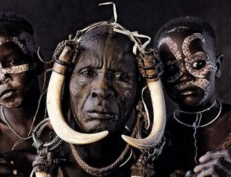 A la rencontre des tribus du monde en voie de disparition avec Jimmy Nelson
