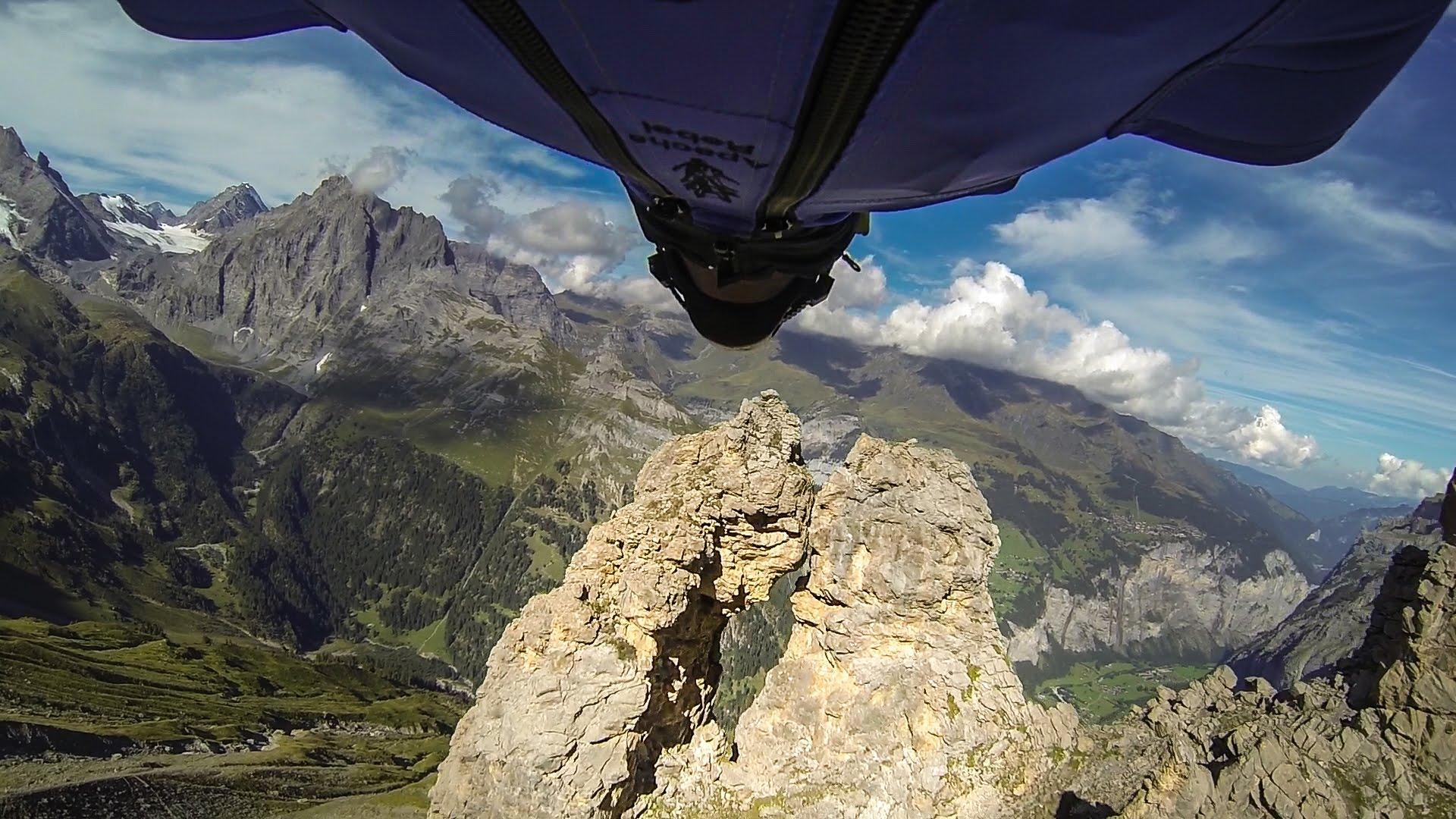 Uli Emanuele  wingsuit