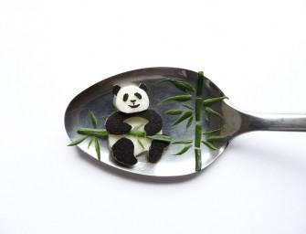 Cet artiste de FoodArt utilise de simple cuillères comme toiles pour ses créations