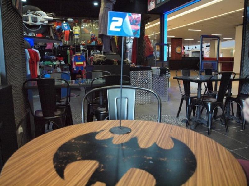 restaurant DC Comics8