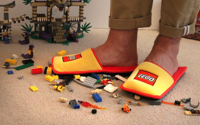 chaussons LEGO2