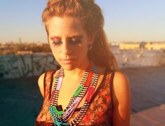 #OnEcoute l'univers créatif et musical de la belle Doe Paoro