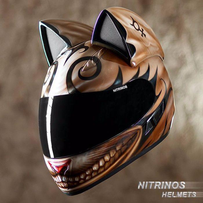 casque de moto tête de chats2