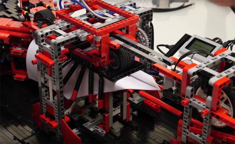 LEGO Paper Plane Machine4